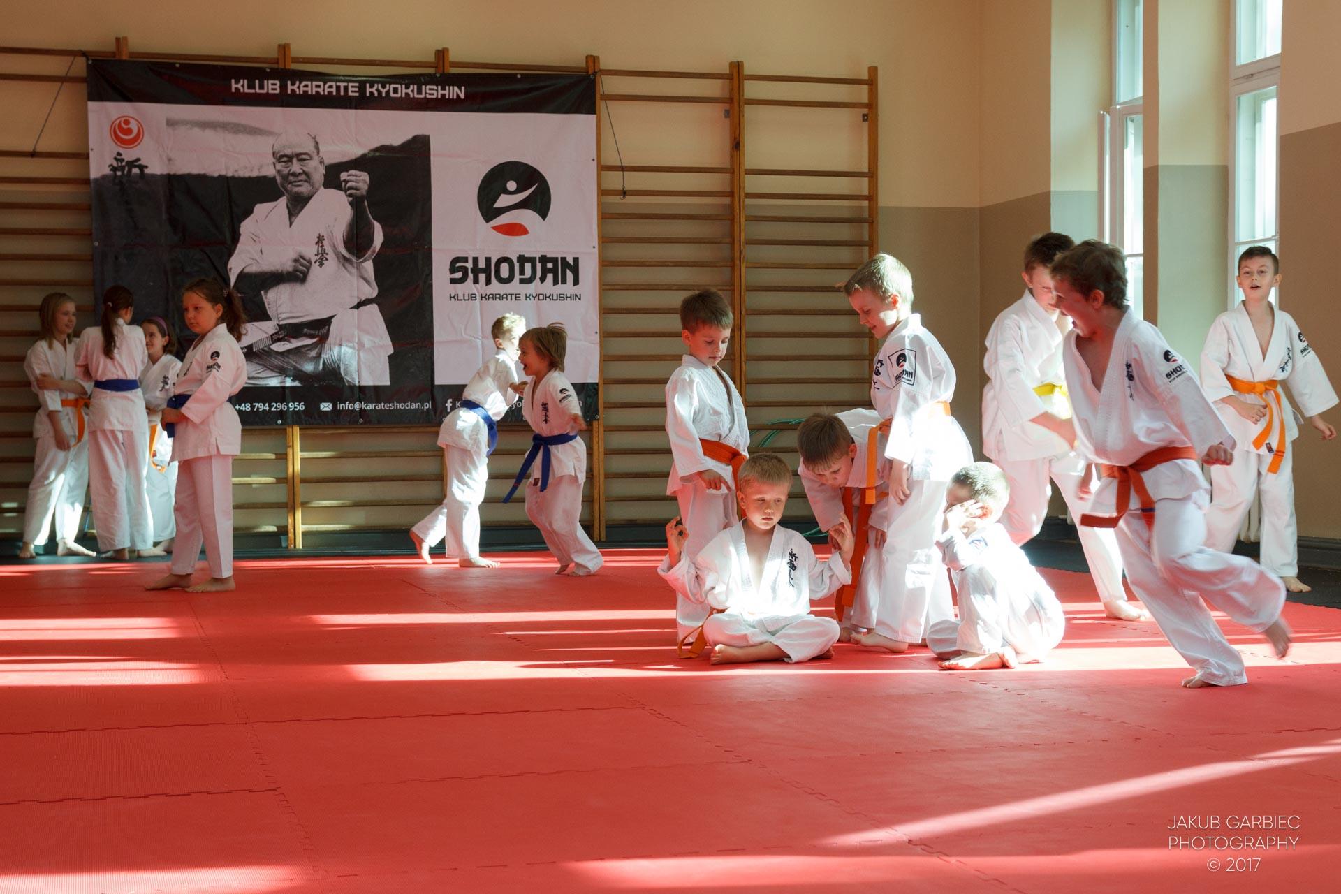 egzamin-karate-mistrz-mariusz-mazur-klub-karate-shodan-2017-06-02