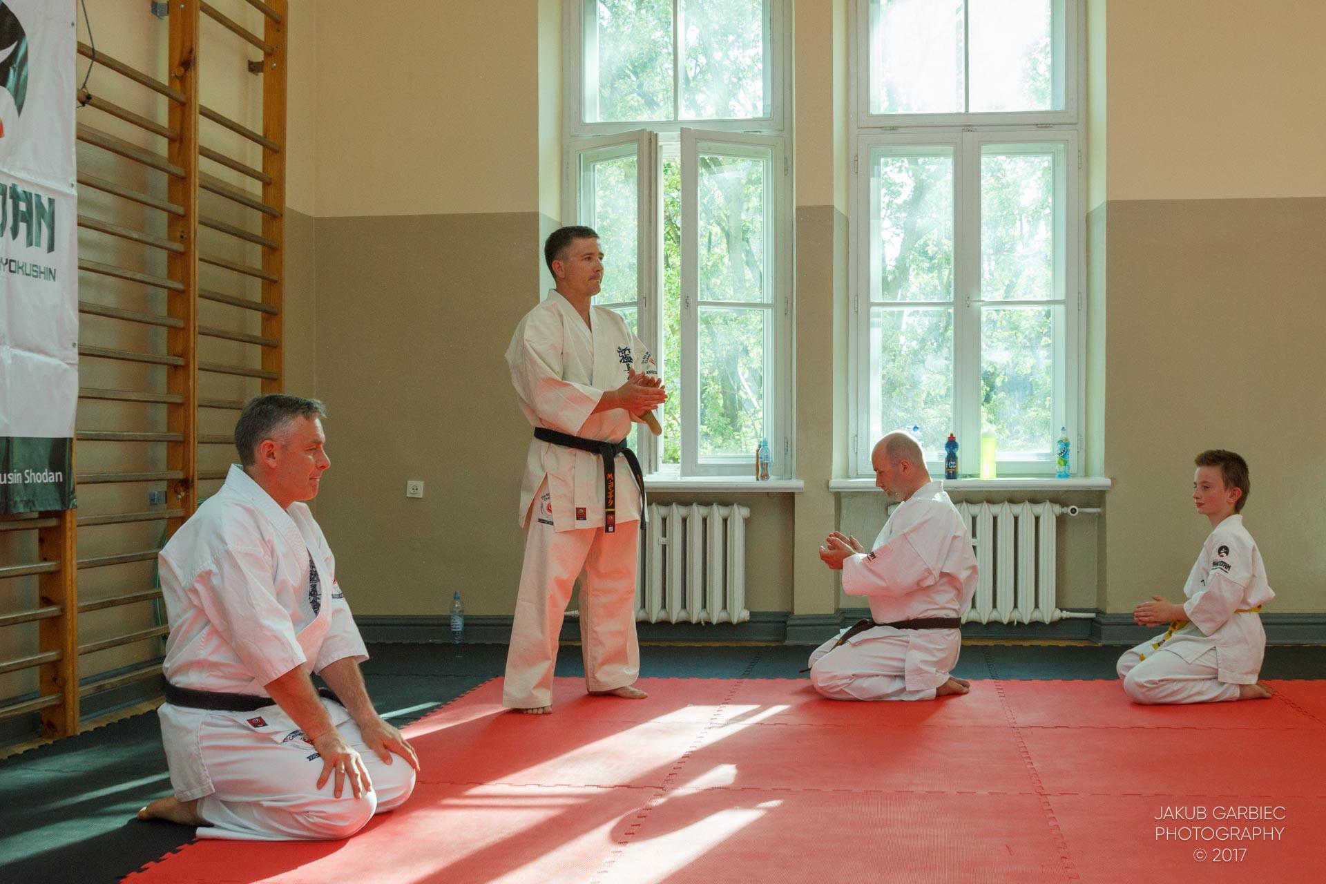 egzamin-karate-mistrz-mariusz-mazur-klub-karate-shodan-2017-06-02-4