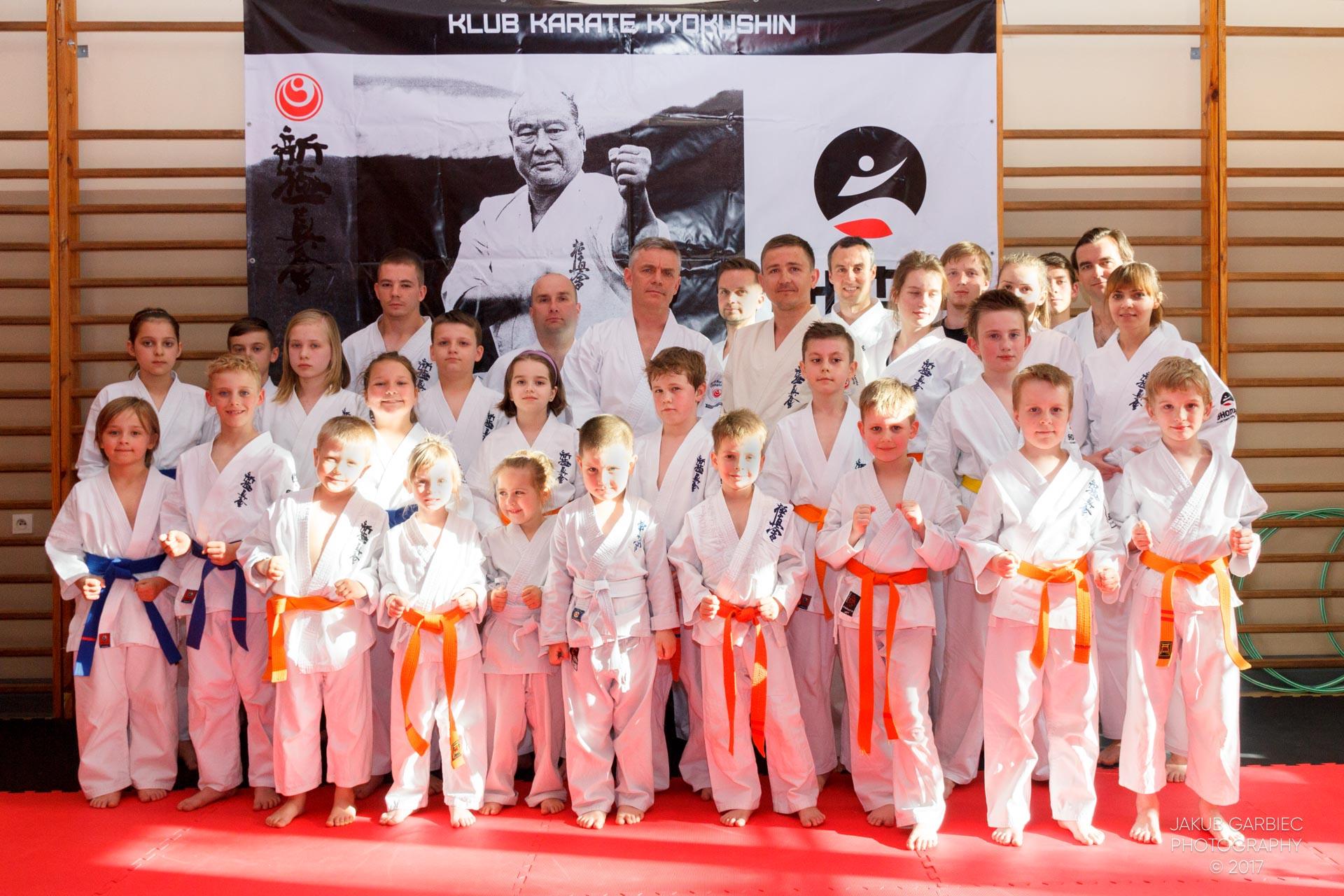 egzamin-karate-mistrz-maciej-mazur-klub-shodan-2017-06-02-4