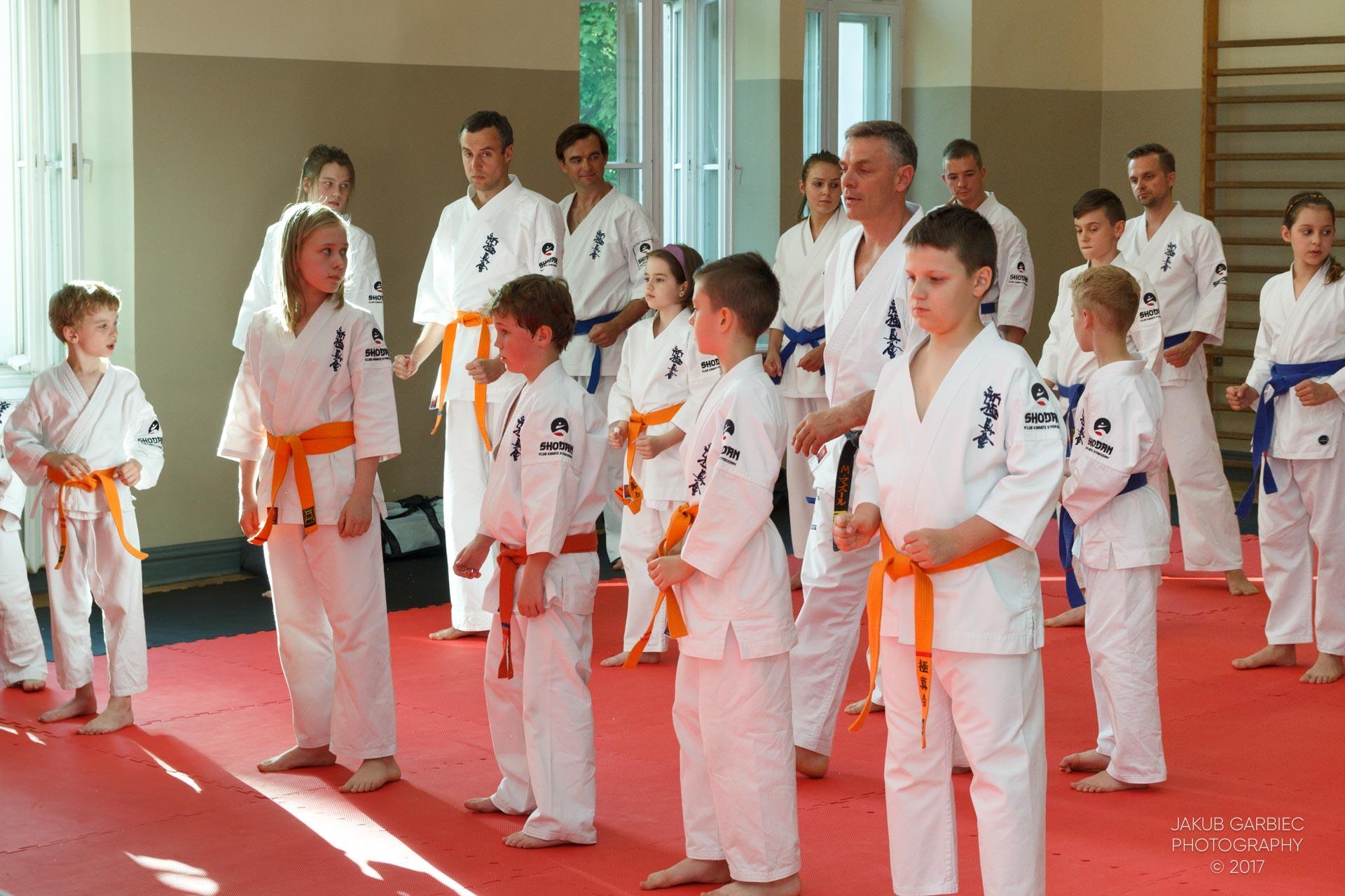 egzamin-karate-mistrz-mariusz-mazur-klub-karate-shodan-2017-06-02-7