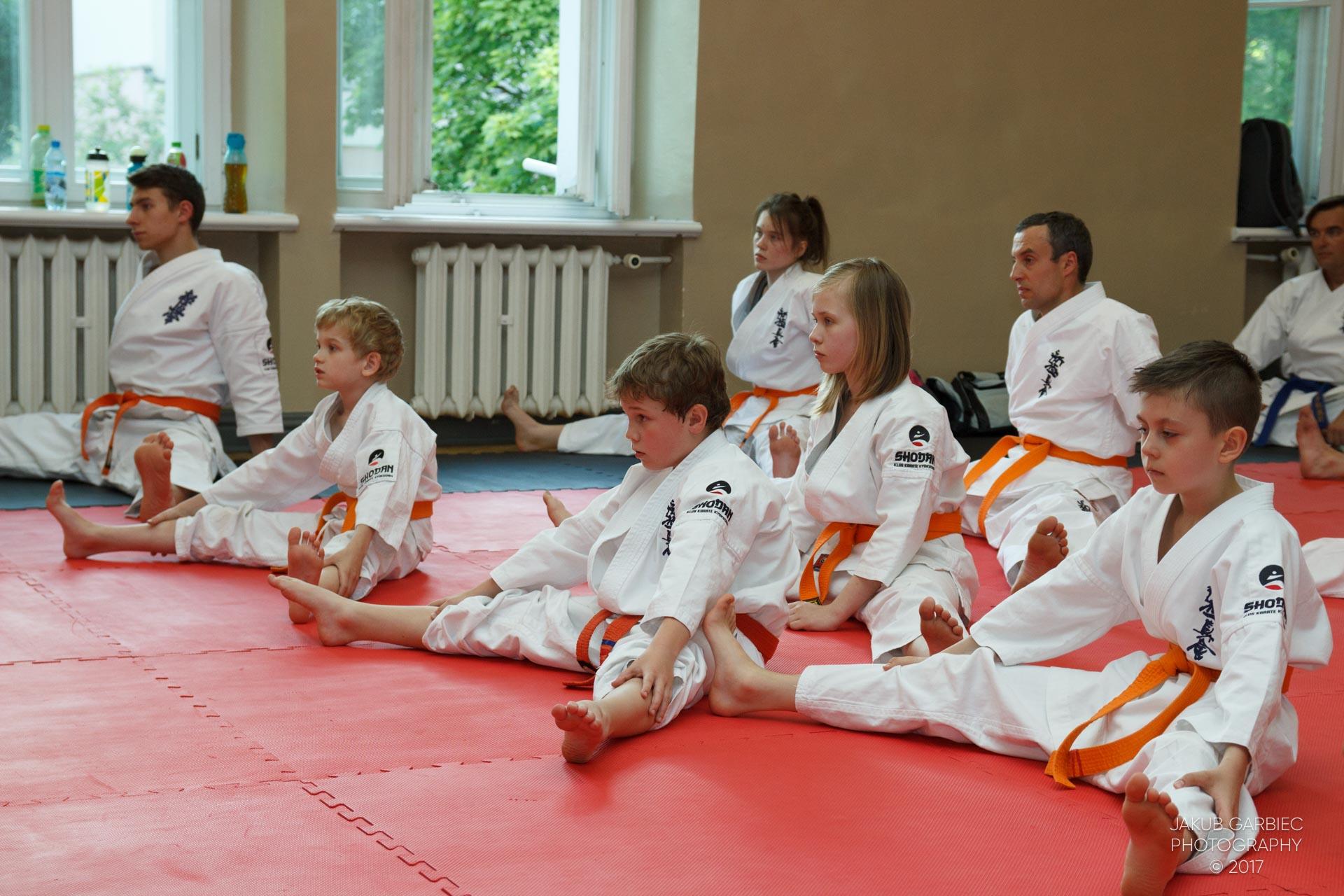 egzamin-karate-mistrz-mariusz-mazur-klub-karate-shodan-2017-06-02-11
