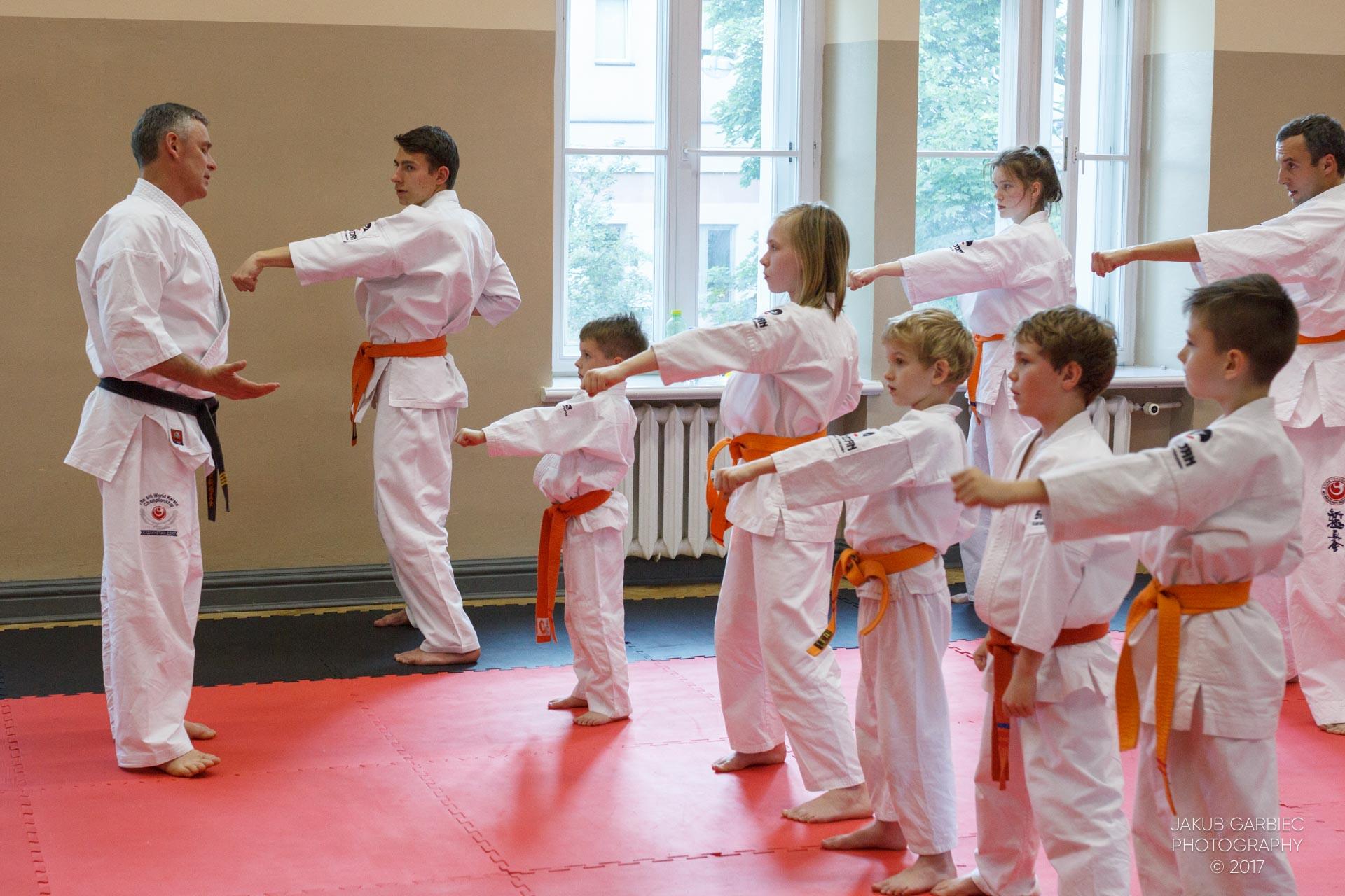 egzamin-karate-mistrz-mariusz-mazur-klub-karate-shodan-2017-06-02-14