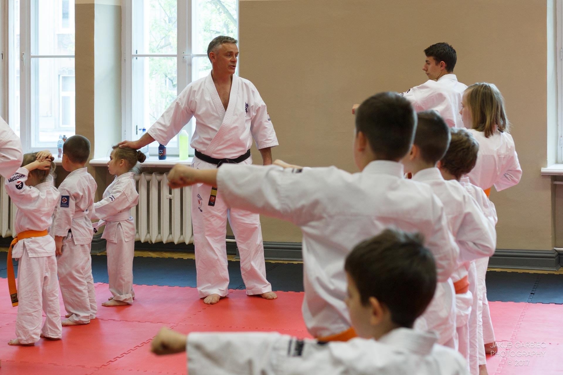 egzamin-karate-mistrz-mariusz-mazur-klub-karate-shodan-2017-06-02-15