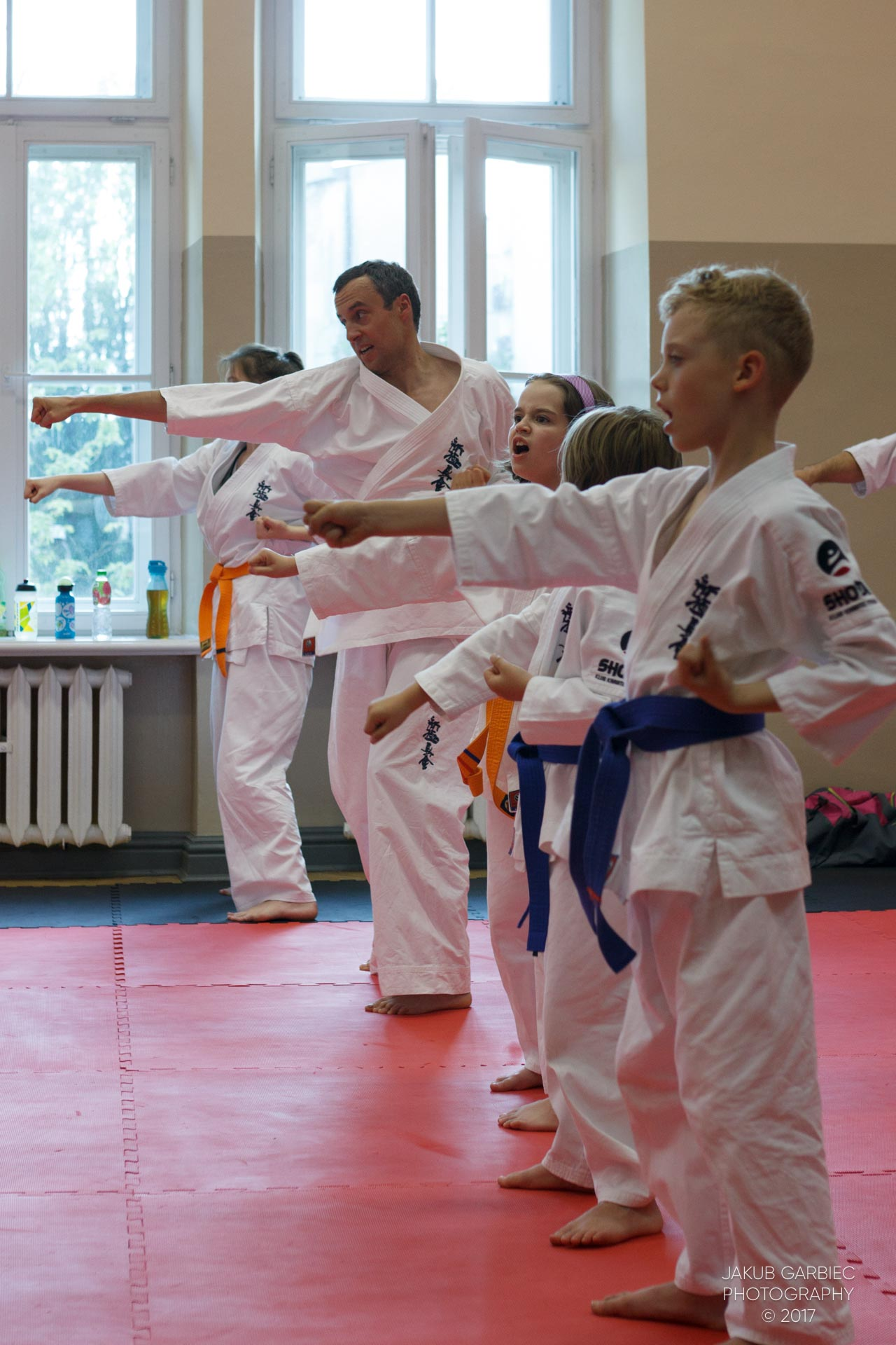 egzamin-karate-mistrz-mariusz-mazur-klub-karate-shodan-2017-06-02-16