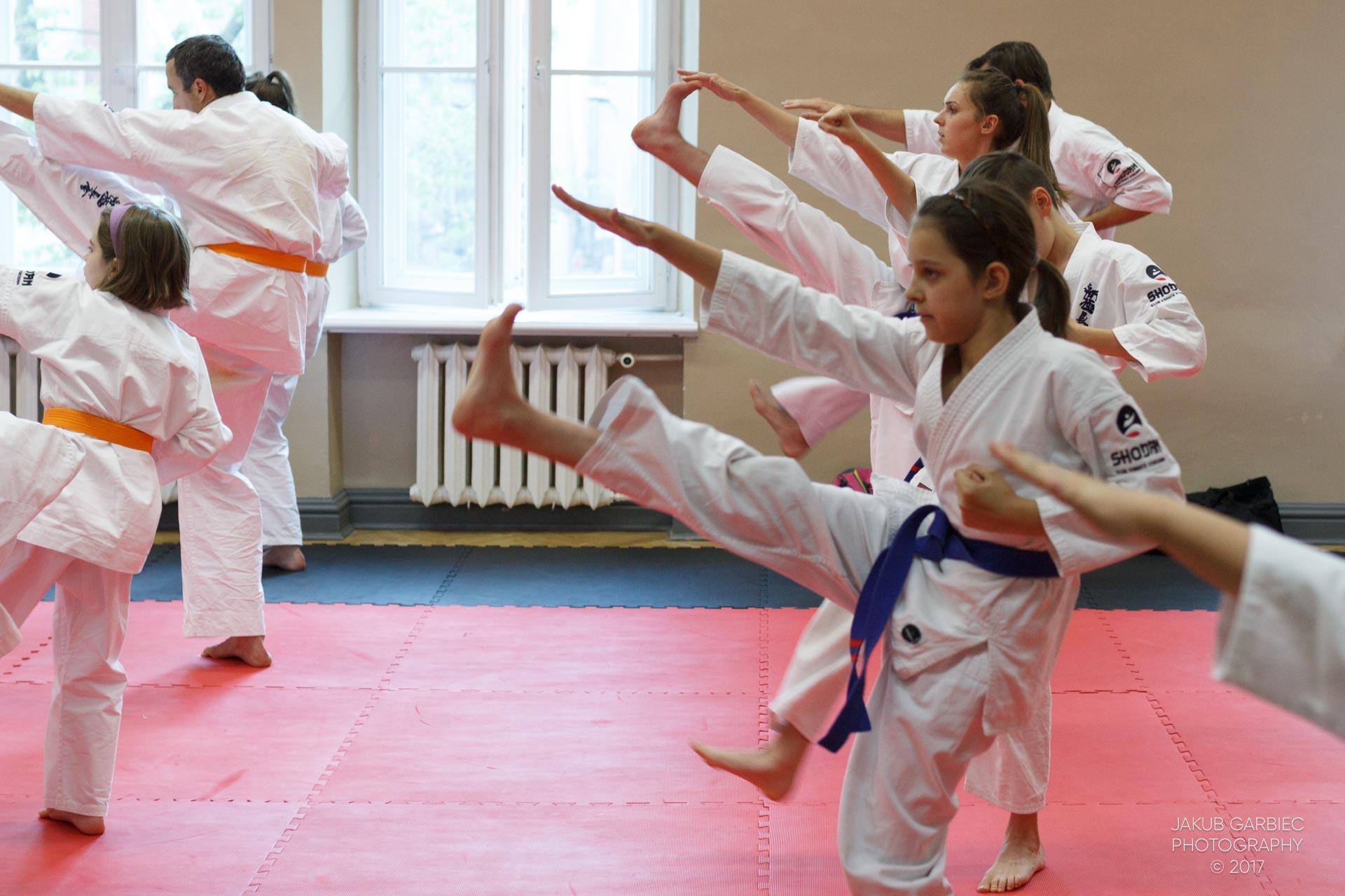 egzamin-karate-mistrz-mariusz-mazur-klub-karate-shodan-2017-06-02-17