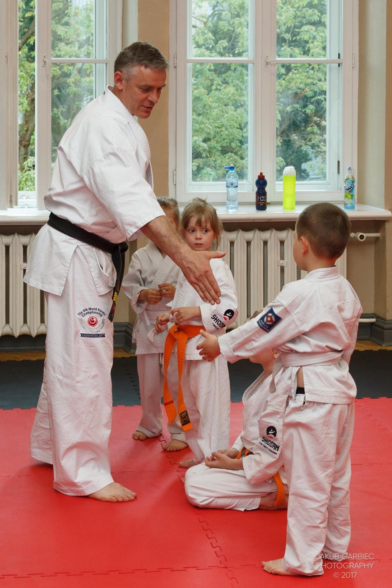 egzamin-karate-mistrz-mariusz-mazur-klub-karate-shodan-2017-06-02-23