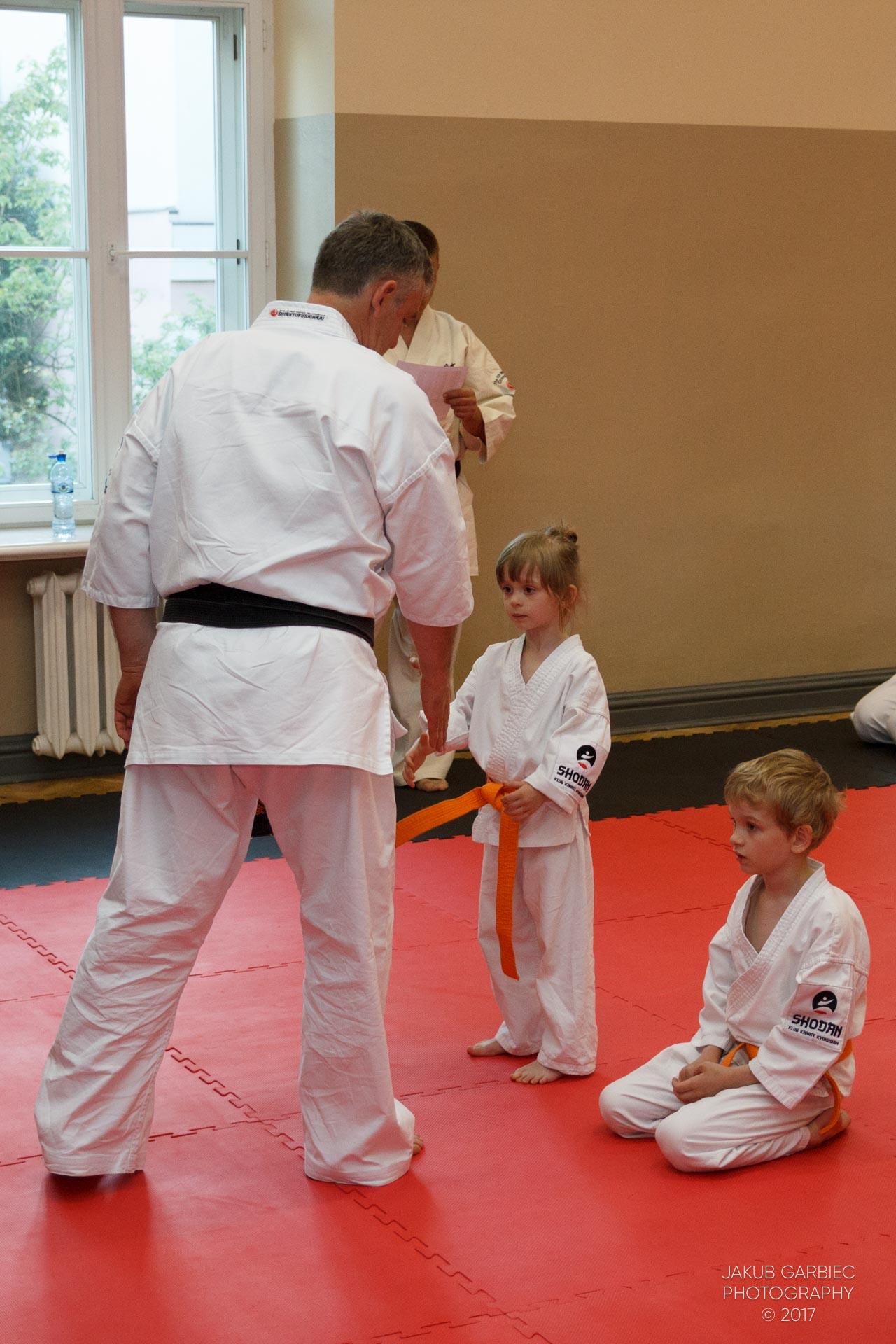 egzamin-karate-mistrz-mariusz-mazur-klub-karate-shodan-2017-06-02-29