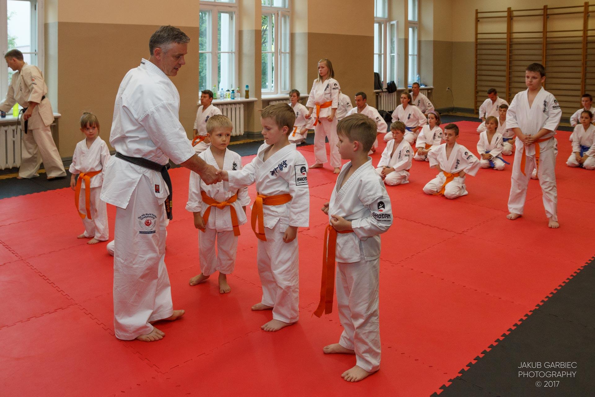 egzamin-karate-mistrz-mariusz-mazur-klub-karate-shodan-2017-06-02-30