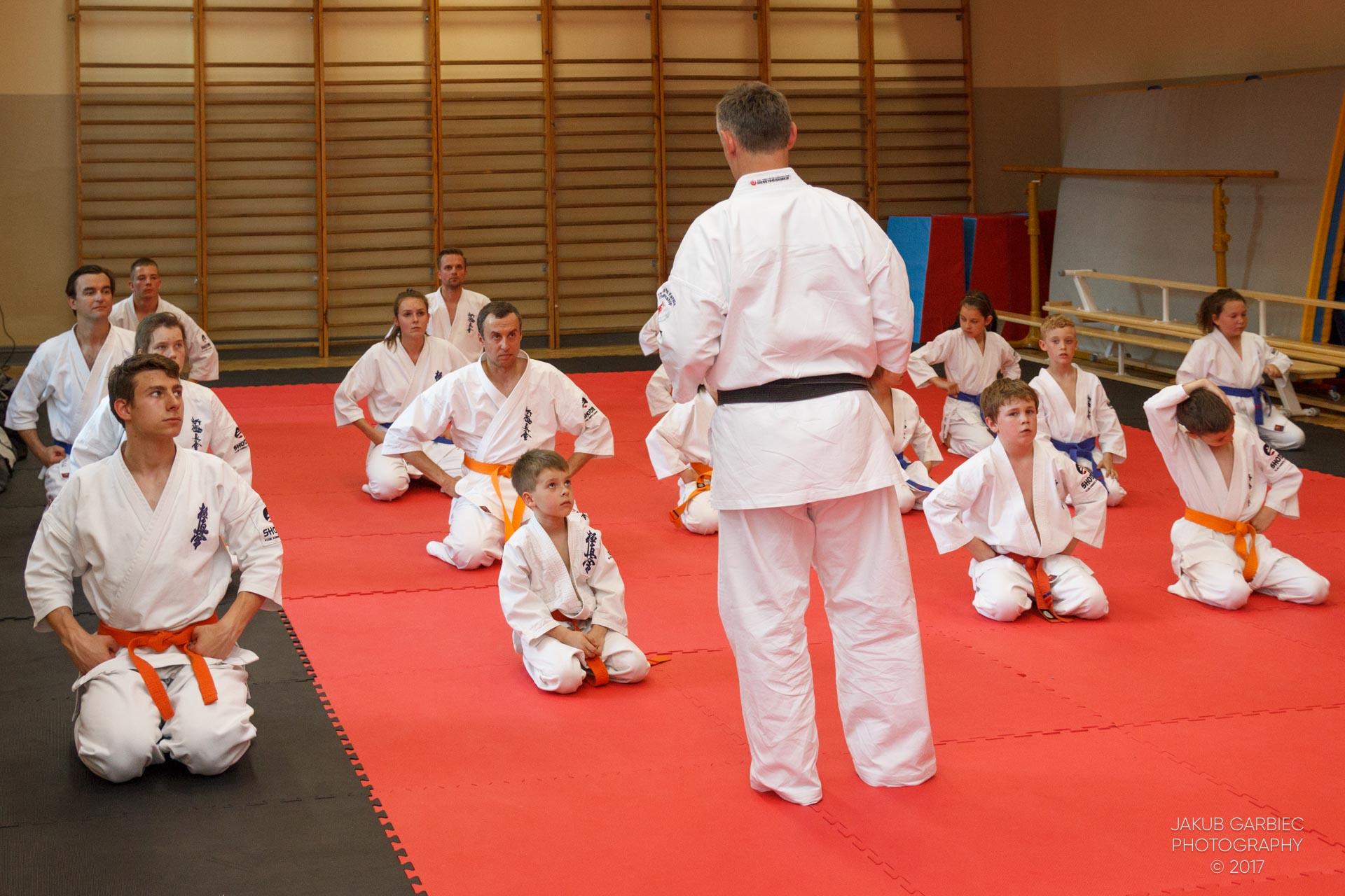 egzamin-karate-mistrz-mariusz-mazur-klub-karate-shodan-2017-06-02-31