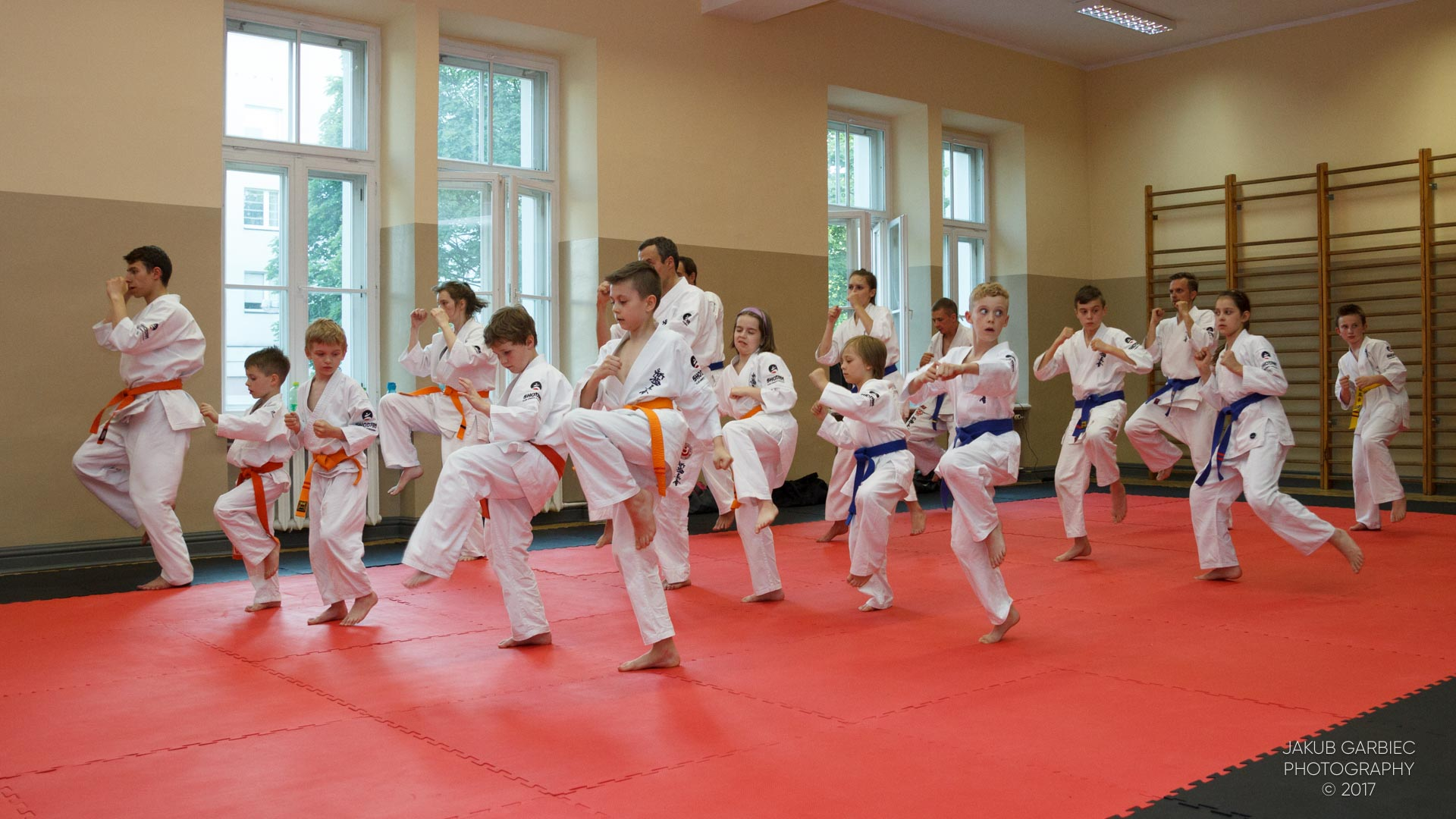egzamin-karate-mistrz-mariusz-mazur-klub-karate-shodan-2017-06-02-33