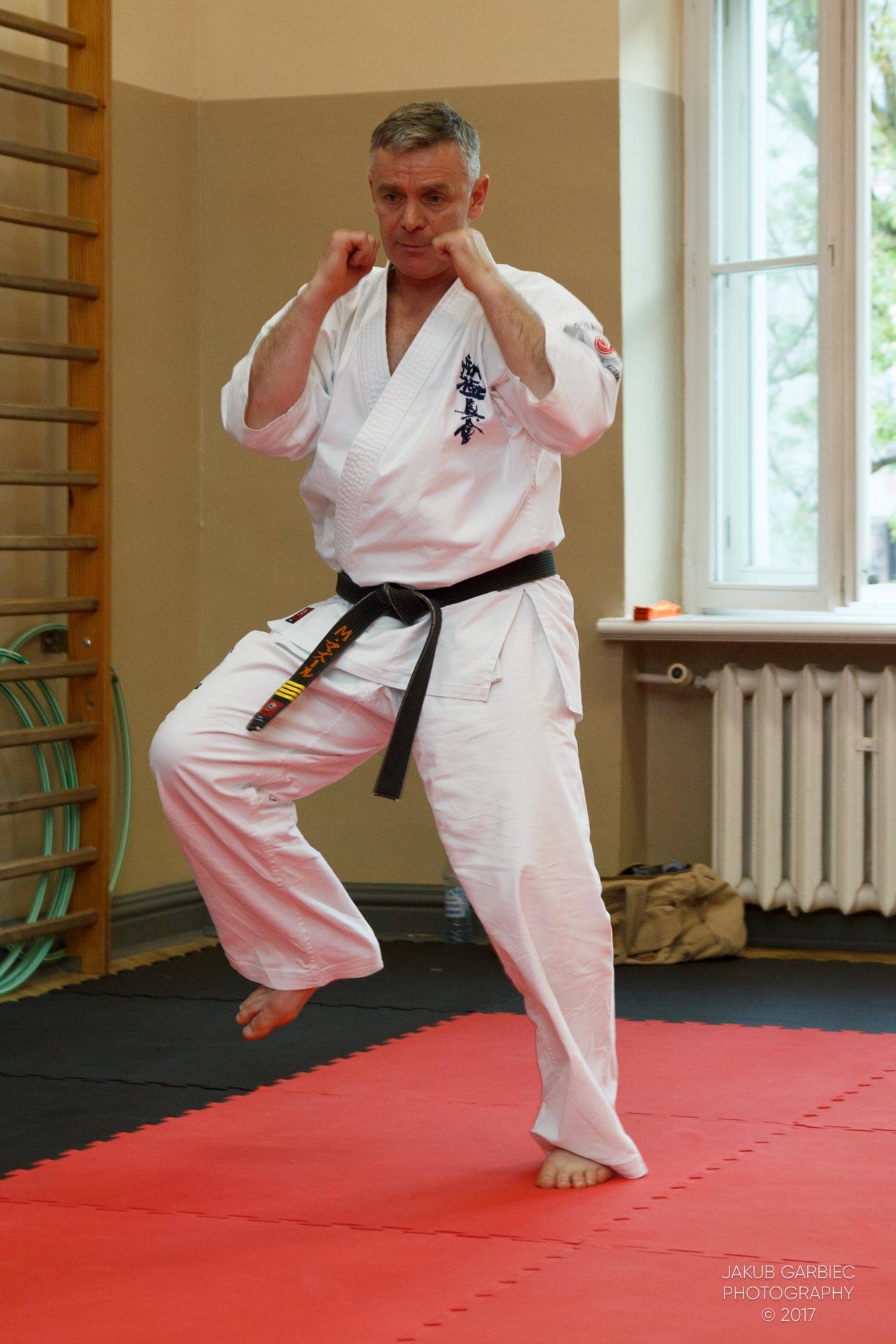 egzamin-karate-mistrz-mariusz-mazur-klub-karate-shodan-2017-06-02-35