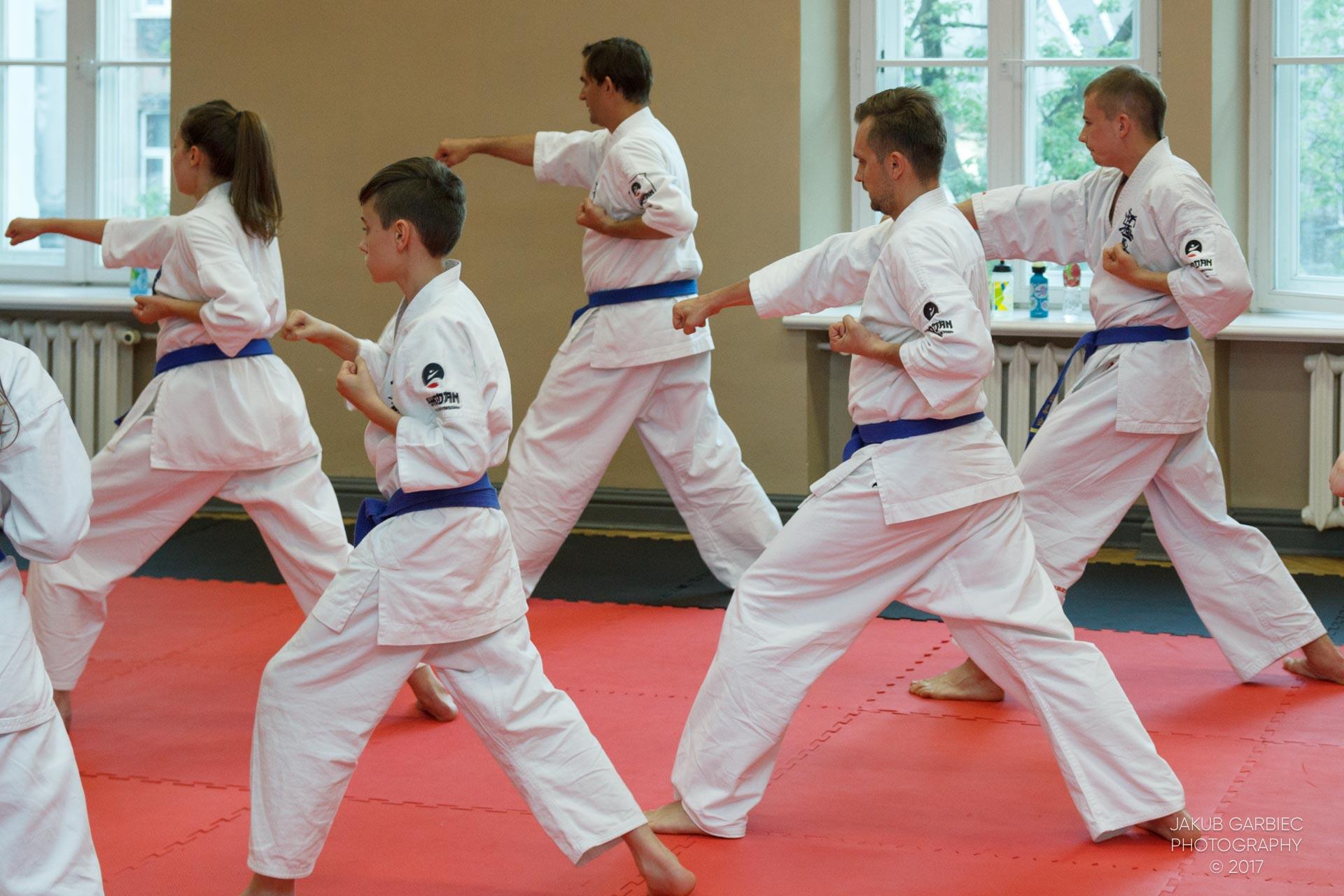 egzamin-karate-mistrz-mariusz-mazur-klub-karate-shodan-2017-06-02-36