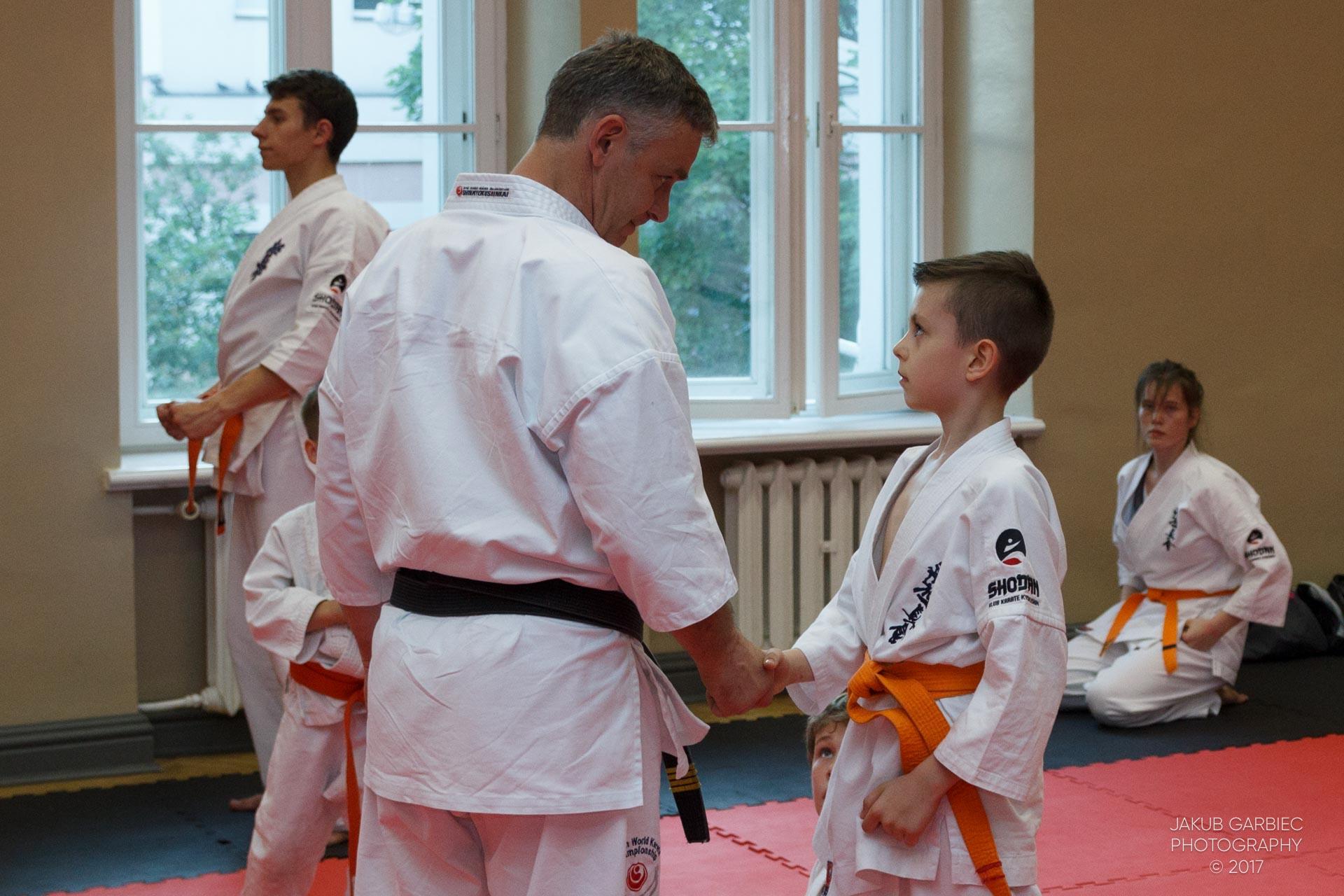 egzamin-karate-mistrz-mariusz-mazur-klub-karate-shodan-2017-06-02-40