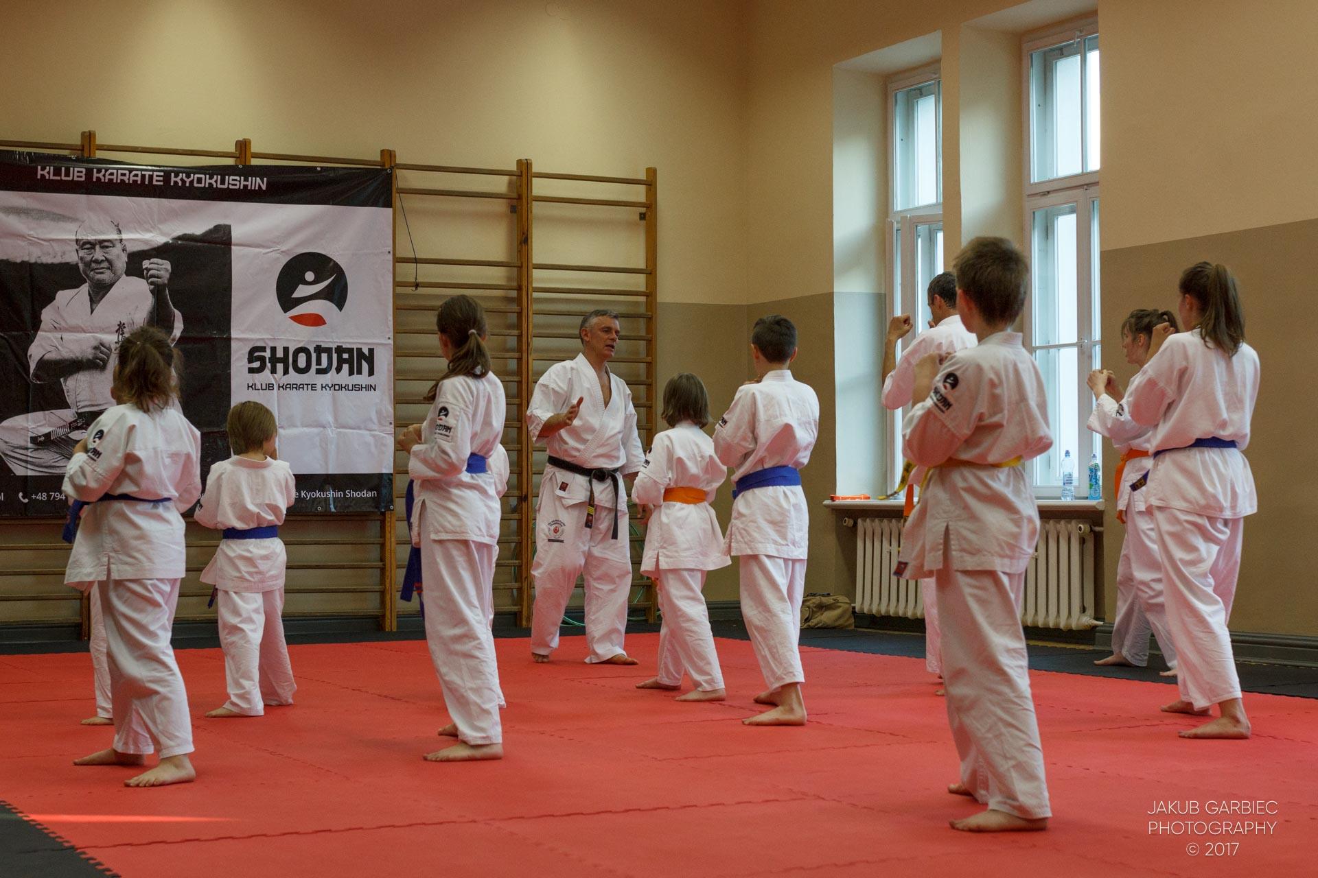 egzamin-karate-mistrz-mariusz-mazur-klub-karate-shodan-2017-06-02-43