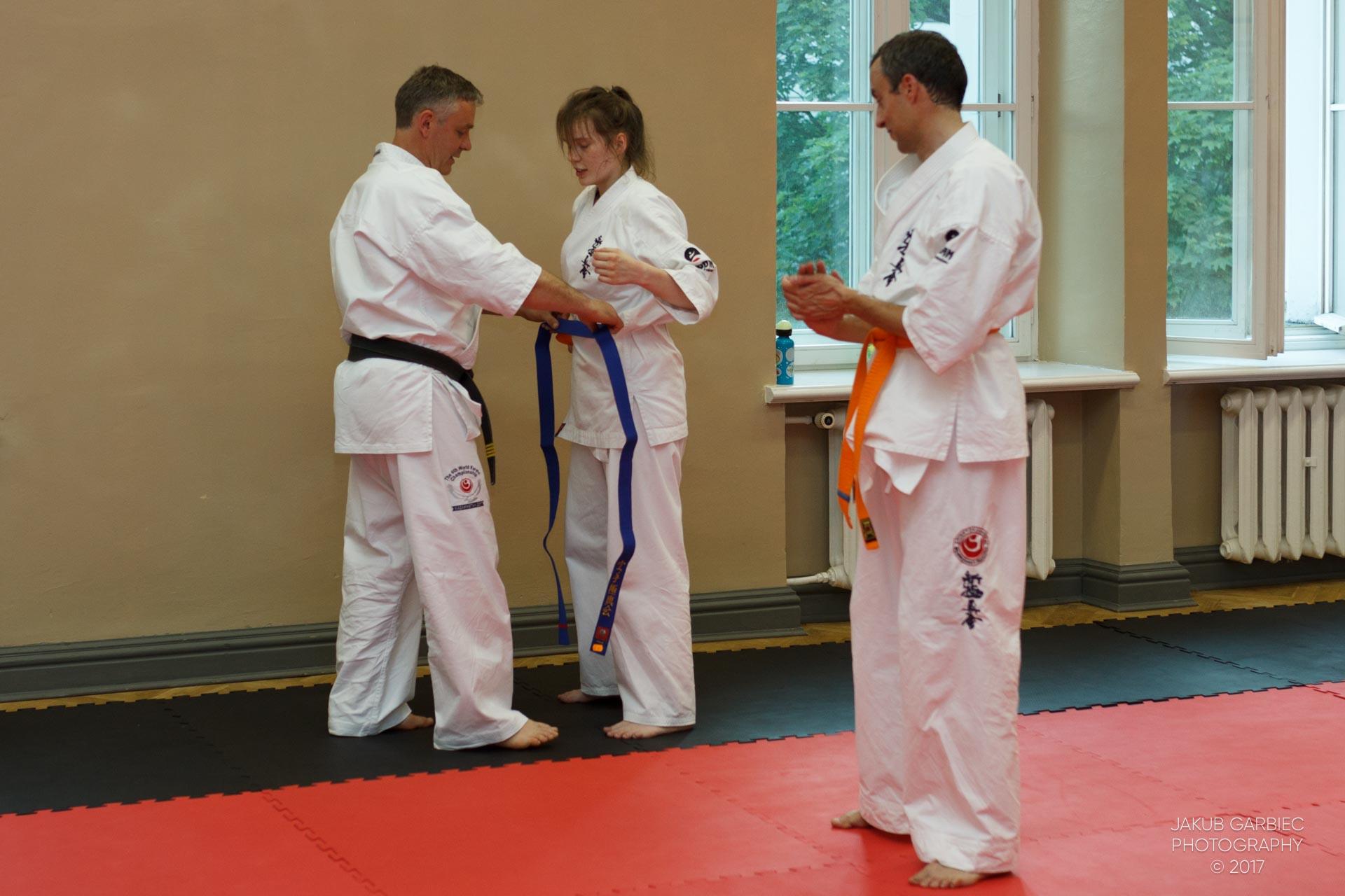 egzamin-karate-mistrz-mariusz-mazur-klub-karate-shodan-2017-06-02-46