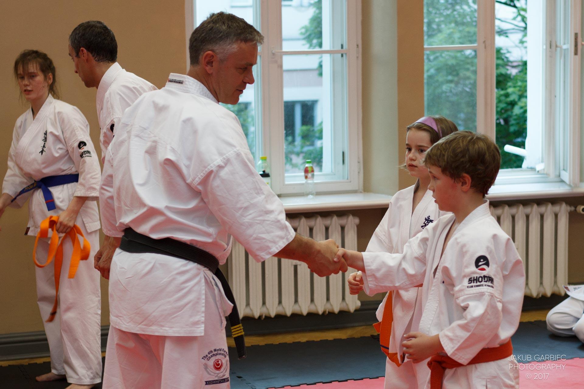egzamin-karate-mistrz-mariusz-mazur-klub-karate-shodan-2017-06-02-48