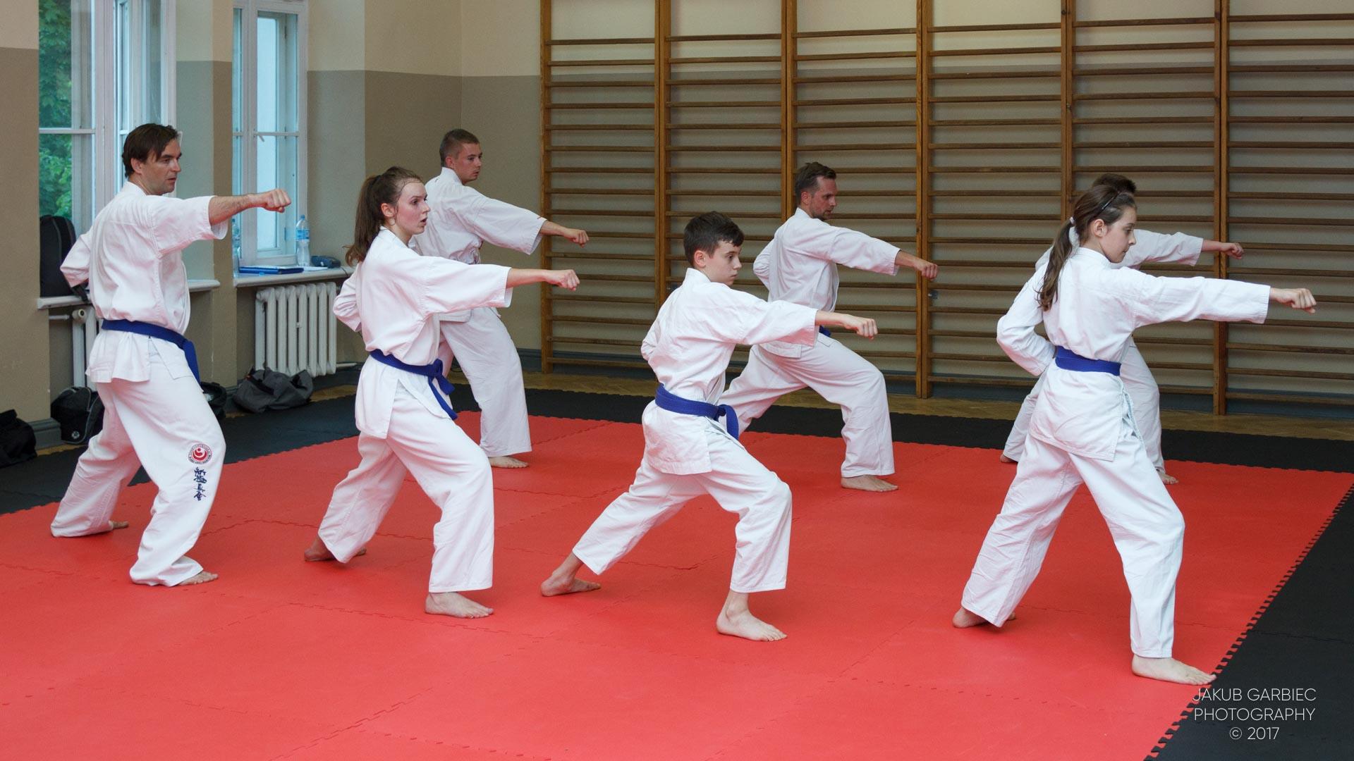 egzamin-karate-mistrz-mariusz-mazur-klub-karate-shodan-2017-06-02-52