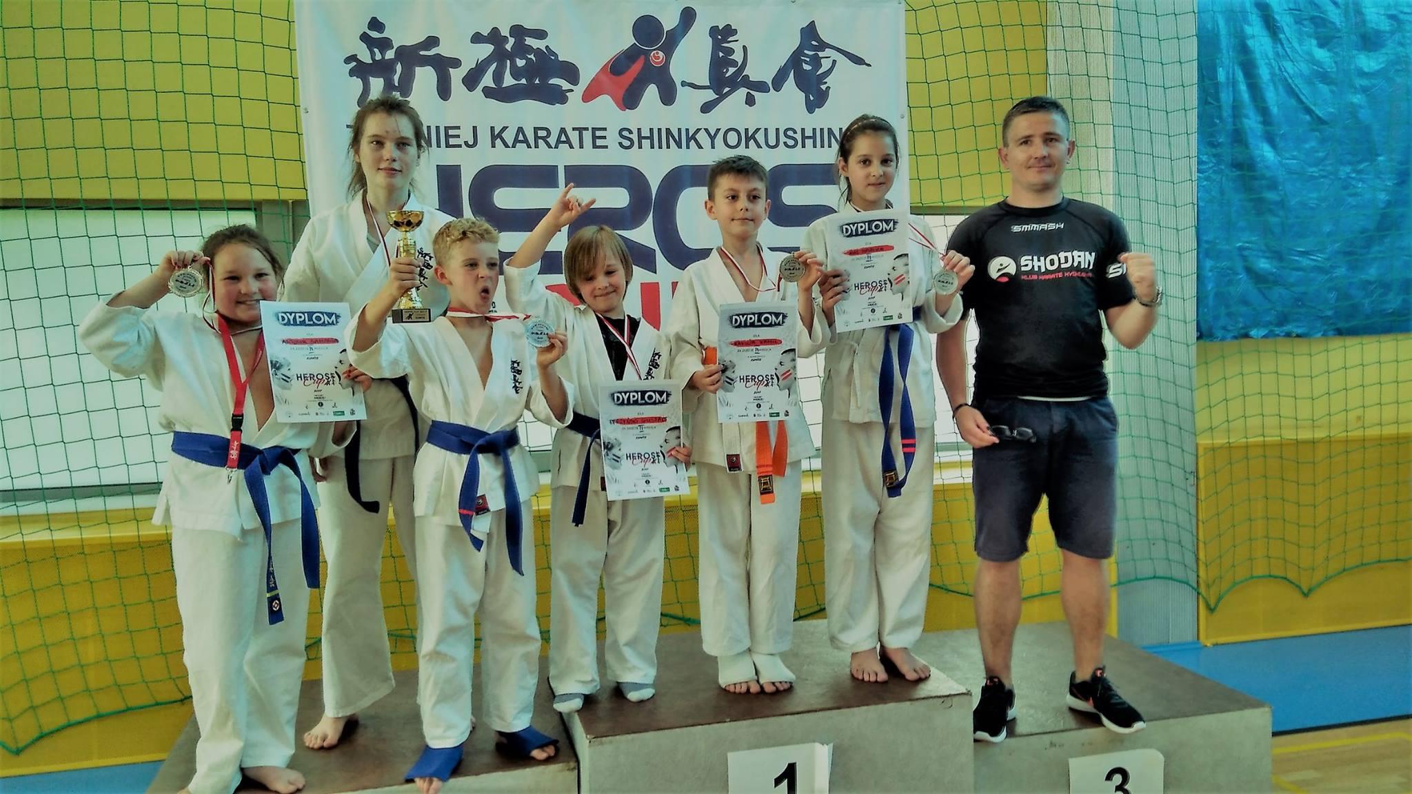 "Grad medali w Turnieju ""Heros Cup 2017"""