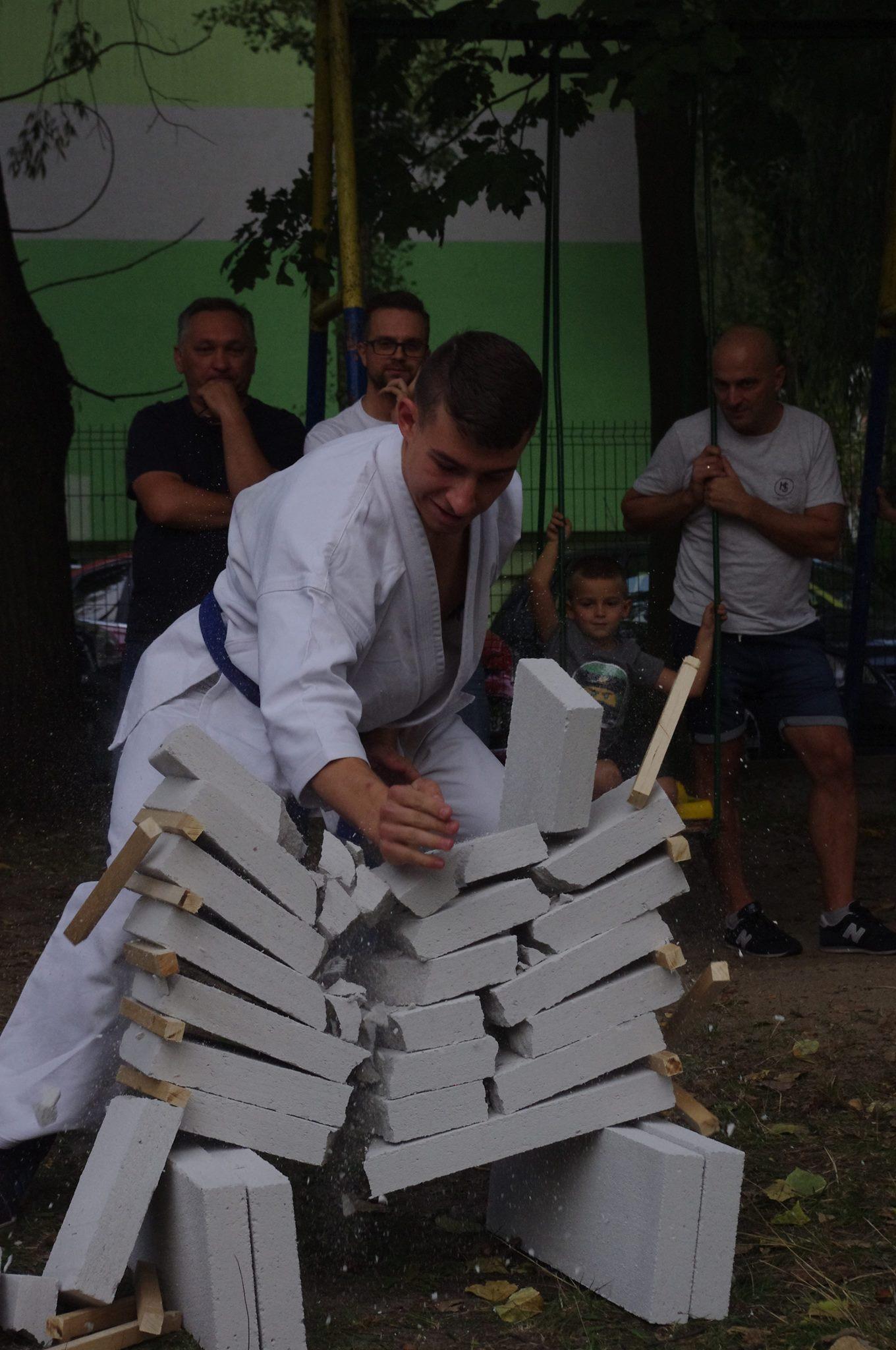 Pokaz karate w Przedszkolu Miejskim nr 146