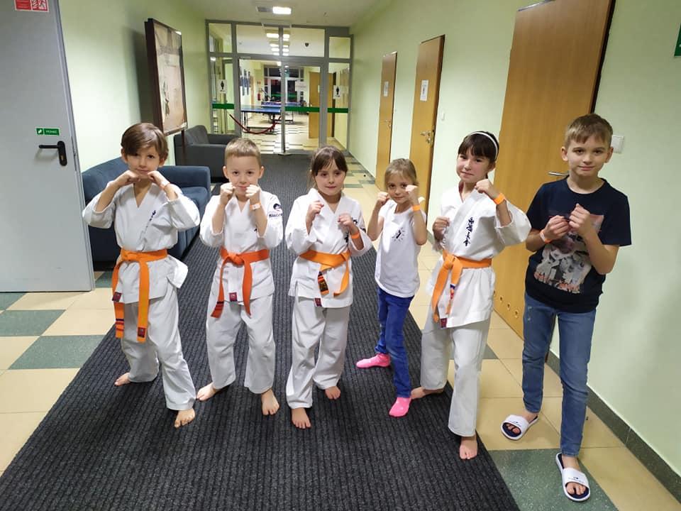 Dzieci z naszego Klubu na pokazie Turniejowym Kokoro Cup 12 w Warszawie.